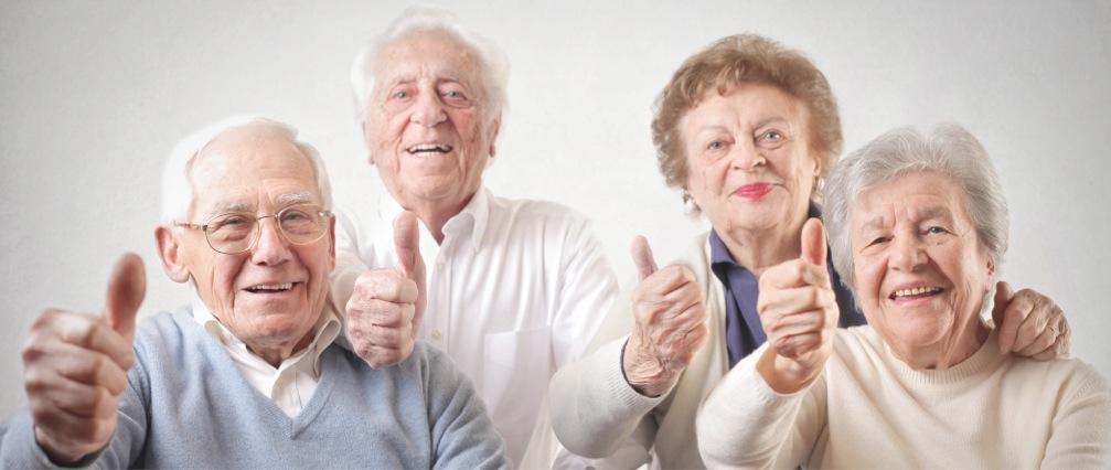 Pensionados contentos con su préstamo