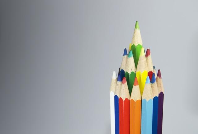 Ranking de Cotizadores de seguros online representado por lápices de colores
