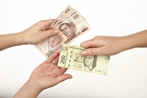 Simbolismo del intercambio entre los prestamistas y reportados